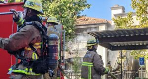 Firefighters working to extinguish Santa Clarita apartment fire
